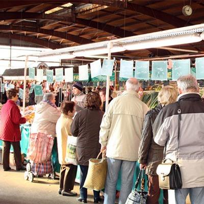 Le marché de la Briche à Épinay-sur-Seine en Seine-Saint-Denis