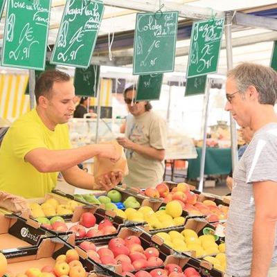Le marché Champignol à Saint-Maur-des-Fossés dans le Val-de-Marne