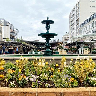 Le marché centre-ville à Rueil-Malmaison dans les Hauts-de-Seine